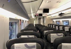 Intérieur d'un wagon de train en Espagne.