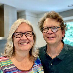 Julie et Michel dans leur cuisine