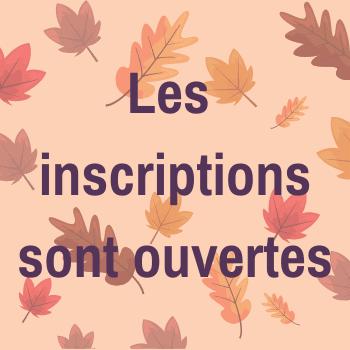 Les inscriptions sont ouvertes. Arrière-plan avec des feuilles d'automne.